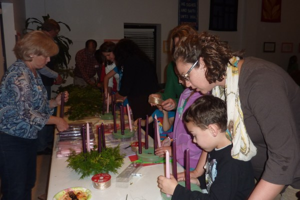 making advent wreath